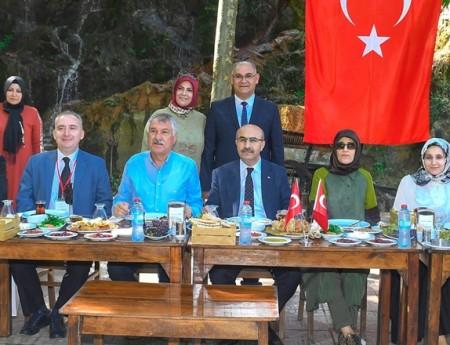 """TÜRKİYE'NİN İLK """" GASTRONOMİ TRENİ"""" ADANA'DA"""